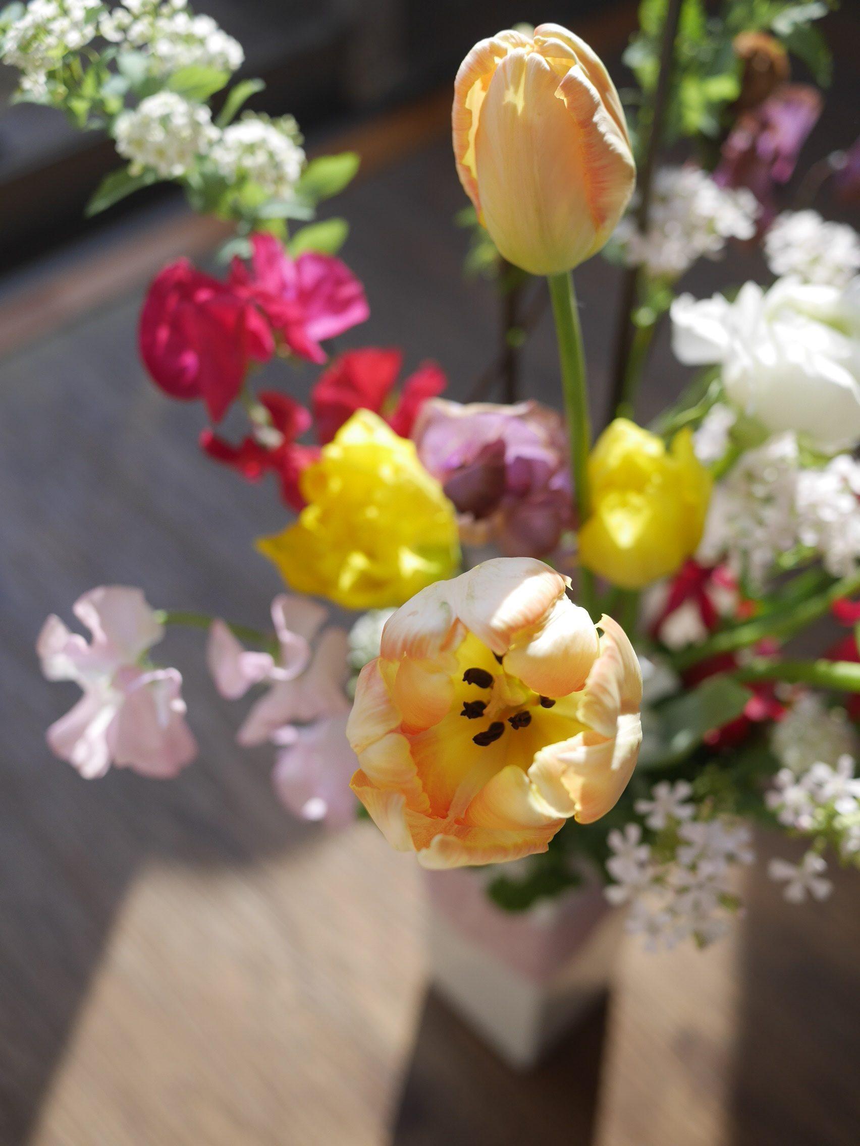 お家時間に花瓶に生ける。